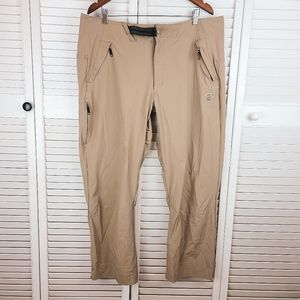 Mountain Hard Wear Tan Cargo Lightweight Athletic